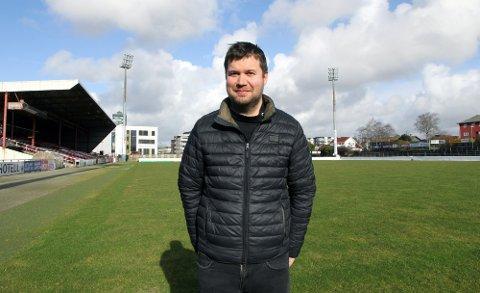 Styreleder Geir Pollestad i Bryne sier størrelsen på det økonomiske tilbudet vil avgjøre om Berntsen blir trener nå eller i november.