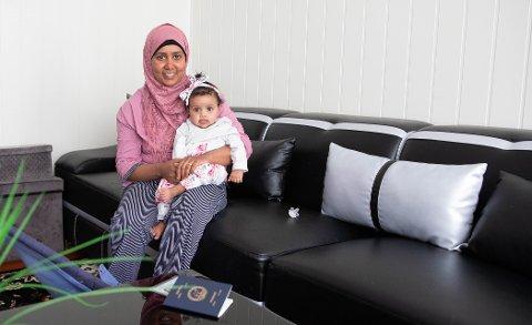 Zahra Ibrahim Jimie er redd for at hun ikke skal få oppholdstillatelse slik at hun kan holde familien samlet, studere og fortsette i jobben sin.