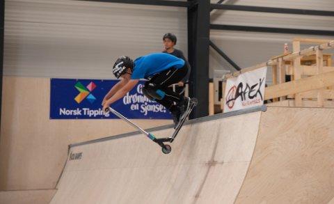 Sola skateklubb får en halv million kroner til nytt skateanlegg. Bildet er fra Scooter Hut Arena.