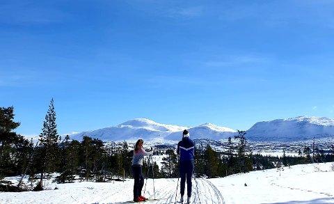 Dette flotte bildet, tatt på vei inn til Midtpunktet, viser hvilke flotte naturopplevelser deltakerne i Ski på topp har kunnet få.