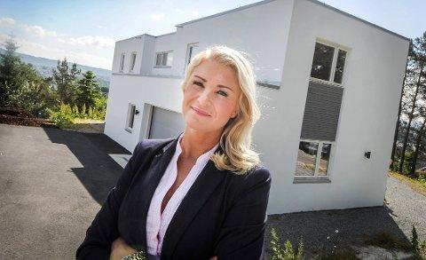 GOD PRIS: Beathe Gundersen hos Nordvik oppnådde prisrekord på en bolig på Bratsberg torsdag. Bildet er tatt i en annen sammenheng.