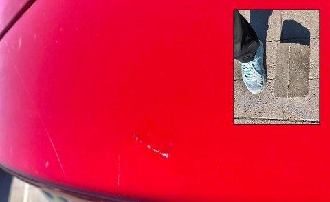KASTET MURSTEIN: Flere tenåringer kastet murstein på en bil tirsdag. I baksetet satt en liten jente. Foto: Privat