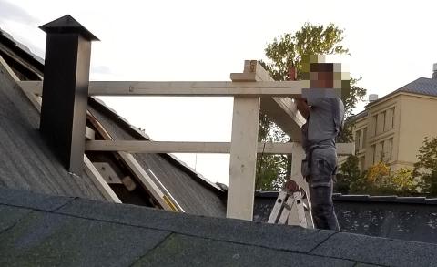 BYGGING: Her etableres døra ut til takterrassen på Chic-bygget.