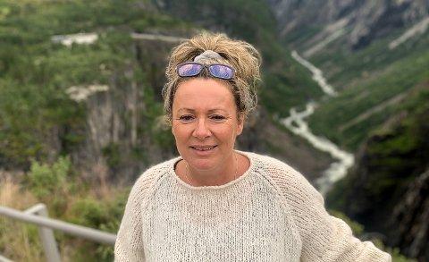 BEDRING: - Jeg kjenner sakte og sikkert at jeg blir litt bedre, men dette tar tid, forteller Silje Steinhaug Christoffersen, som for en måneds tid siden fikk påvist covid-19.