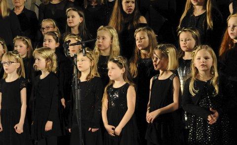 SANGGLEDE: Frei barnekor er klar for sin andre konsert denne førjulstiden. Denne gang i egen kirke og som hovedpersoner. Her ser vi noen av dem fra konserten med Maria Arredondo i slutten av november.