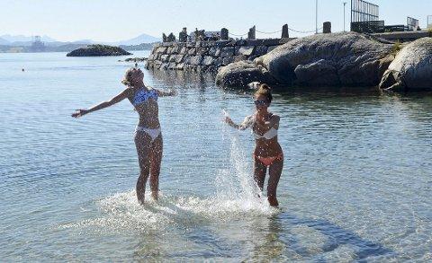 Varmerekord eller ei, det har vært varmt nok til å bade.