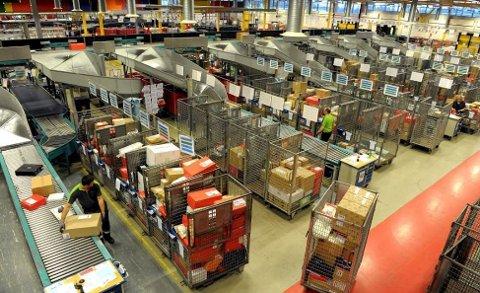 BERØRES: Etter Stortingets avgjørelse står flere i fare for å miste jobben på postterminalen på Borgeskogen.