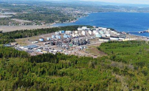 Det var her, på Slagentangen, at personene tok seg inn på Esso-raffineriet.
