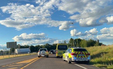 Politiet rykket ut til en ulykke i Bentsrudveien i Holmestrand.