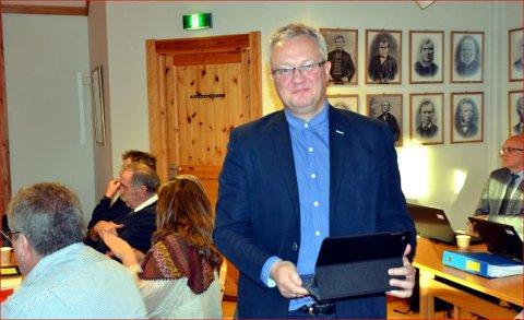 ØNSKER LOKAL HANDEL: Ordfører Odd Erik Holden har gitt uttrykk for at han ønsker hyttefolk velkommen i lokale forretninger i vinterferien.