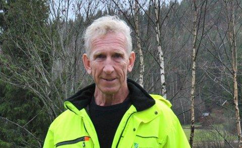 TILTAKPÅGLATTA:Avdelingsleder Roar Vika har for øyeblikket fem enheter som er ute og stør kommunale veier.