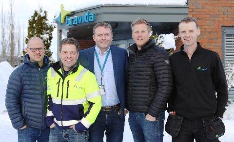 JAKTER PÅ FOLK: Arne Olav Stavnum (fra venstre), Geir Thorstensen, Øyvind Hagen, Edvard Nilsen og Sondre Danielsen ved Bravida Sandefjord-Larvik.