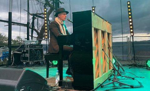 Janove Ottesen sørget for en flott konsert på Moi lørdag kveld.