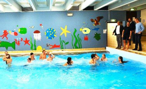 Svømmebassenget på Hunstad er stengt grunnet lekkasje. Det vil ta to til tre uker å få skaden reparert.