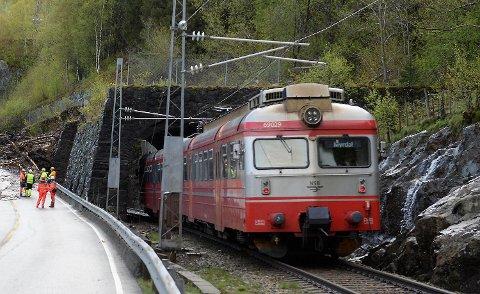 Både jernbanen og veien mellom Bergen og Voss er sterkt rasutsatt. FOTO: MAGNE TURØY