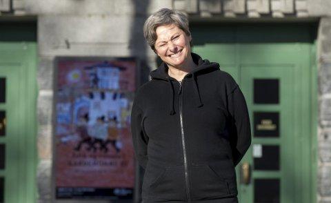 Kjersti Elvik er veldig takknemlig for at sønnen ektemannen ville flytte tilbake til Bergen. 50-åringen fikk nettopp fast jobb på DNS, og er lykkelig over å ha etablert seg i byen igjen.