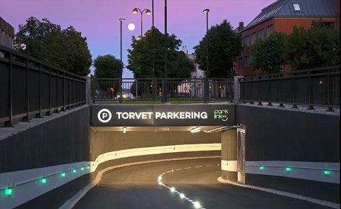 GRAVDE SEG NED, FIKK ET LØFT: Det ser kanskje ikke ut som inngangen til et flott bysentrum, men denne nye parkeringskjelleren har gjort mye for å skape et mer levende Kristiansand.