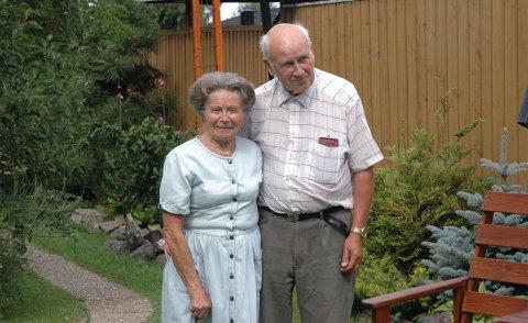 Inger Johanne Holt, kjent som Vesla Holt, døde søndag. Mandag 15. februar skal hun begraves i Bragernes kirke der de nærmeste får anledning til å ta et siste farvel. Her sammen med ektemannen sin, Levi, som gikk bort i 2012.