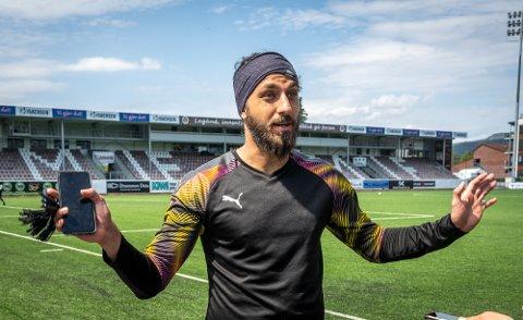 ENGASJERT: MIF-keeper Sosha Makani er klar for å storspille i nok et lokalderby mot Godset. Søndag er det Ælv Classico på Consto Arena.