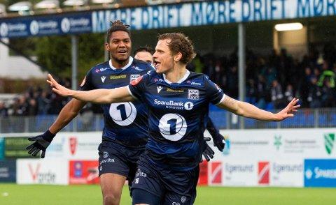 BLIR MIF-SPILLER: Meinhard Olsen feirer her en scoring for Kristiansund i Eliteserien i 2019. Neste år spiller den færøyske landslagsspilleren i MIF.