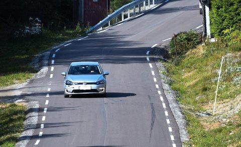 Den nye delen av Sulerudveien i Ytre ble bygget bredere enn kommunens veinorm skulle tilsi.