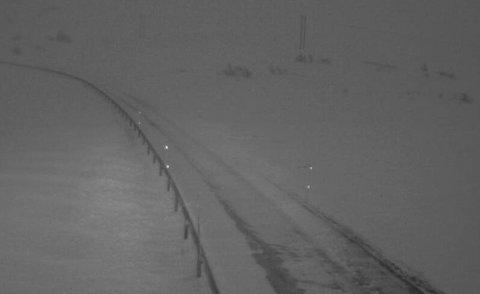 STENGT: Riksveg 13 over Vikafjellet er stengt på på grunn av uvèr.