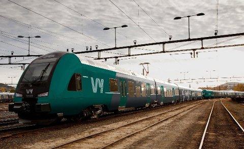 – Intercitytraseen i Østfold ligger fast, med stasjoner i byene, slår Jernbanedirektoratets kommunikasjonssjef fast.