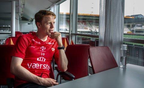 Håvard Åsheim måtte se seriepremieren fra sofakroken. Torsdag er han aktuell for en startplass igjen.