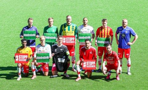Før kampen mot Jerv på Stadion stilte FFK-spillerne opp i draktene til en rekke lokale fotballklubber. #HeleBreddenNÅ var budskapet.