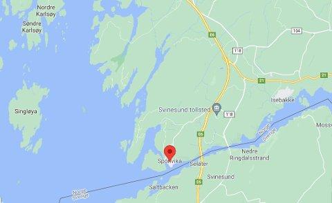 Alle som kommer med båt til Norge, må kontrolleres på grensen på samme måte som de som kjører bil eller tar fly. Kontrollen til sjøs er lagt til Sponvika.