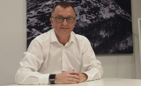 GLEDE: Roger Bergersen er godt fornøyd med at Nordland Arbeiderparti erstatter Åsunn Lyngedal med Mona Nilsen på sikker plass på nominasjonslisten etter at Åsunn Lyngedal sa fra seg plassen onsdag ettermiddag.
