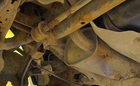 RUST: Eksempler på rustangrep som ses oftere og oftere på til og med nyere biler, iflg. Tom Heier.