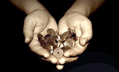 «Pengepredikanter»: – Gaven skulle glede andre og lege giveren. Men de finansierer heller predikantens forbruk og millionlønn enn veldedig virksomhet, skriver Jan Boye Lystad. Illustrasjonsfoto: HA