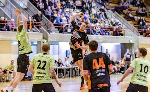 STOR KAMP: Kristian Stranden scoret 15 mål da Halden banket serieleder Arendal.