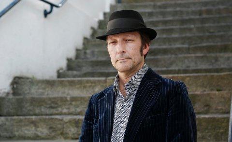 MEIR DYLAN PÅ NYNOSK: - Eg har hatt ei fin oppleving med å gjendikta Dylan-songar  til teaterkonserten på Det Norske Teatrets, med premiere 3. oktober, seier Tom Roger Aadland.