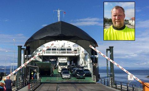 BEKYMRET: Kjetil Marvik frykter det skal skje en dødsulykke ved Arsvågen ferjekai. Han kritiserer Fjord1 for manglende sikkerhet for myke trafikanter. Selv kjører og henter han barna sine annenhver helg.