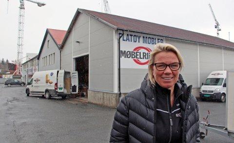 Daglig leder Anne-Line Flatøy Bergesen hos Flatøy Møbler, Møbelringen i Sandnessjøen.