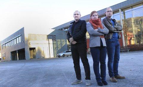 Bekymret: Hovedtillitsvalgt Arnfinn Olsen (t.v.), leder i Tor Gunnar Ånes Nordhøy i Utdanningsforbundet i Vefsn og Åshild Pettersen fra Vefsn SV. Foto: Jon Steinar Linga