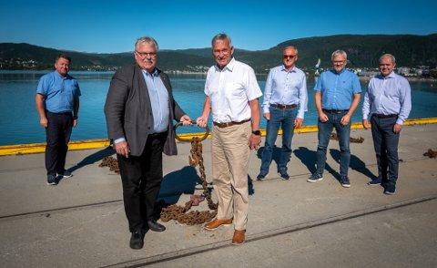 Havnesamarbeid mellom havnene på Helgeland. Kjell Idar Juvik, Tor Arne Strøm, Kurt Jessen Johansson, Einar Andersen, Øystein Lorentzen og Bjørnulf Tverrå skal jobbe sammen for å få gjennomslag.