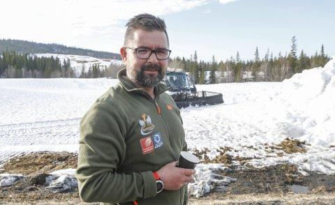 2019: Sjefen for snø til Bysprinten på plass på Sjåmoen der snøen ble hentet til det hittil siste showrennet i Mosjøen.