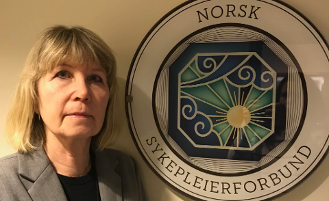 REAGERER: Foretakstillitsvalgt Kicky Eriksson Nytun i Norsk sykepleierforbund ved Finnmarkssykehuset.