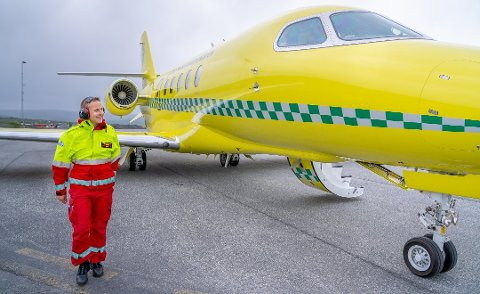 I GANG: I oppstartsfasen henter Babcock jetfly og ambulansefly fra Sverige. Her gjorde Jan Joachim Pedersen en siste sikkerhetssjekk før take-off i juli.
