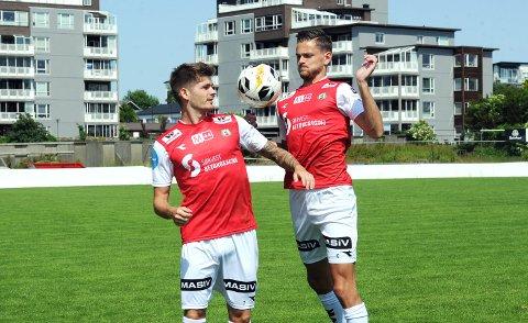 SPILLESUGNE: Oliver Rotihaug (t.v.) og Robert Undheim er klar for kamp mot Fløy torsdag kveld. Kampen sendes direkte på jbl.no.