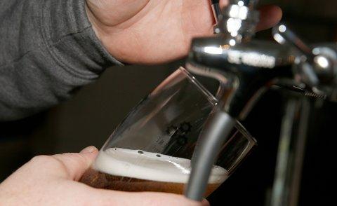 Oslo  20151201. Sagene Bryggeri presenterer seg. Tapping av øl. Ølkran. Foto: Terje Pedersen / NTB scanpix