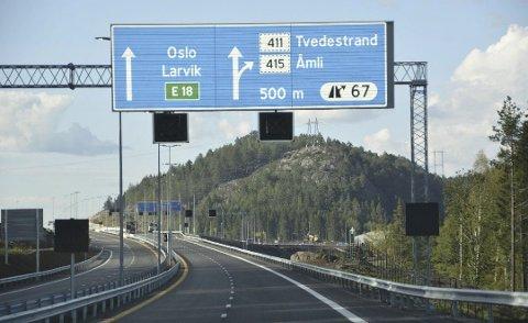 Fram til nå har det vært gratis å kjøre på den nye E18-strekningen mellom Tvedestrand og Arendal.