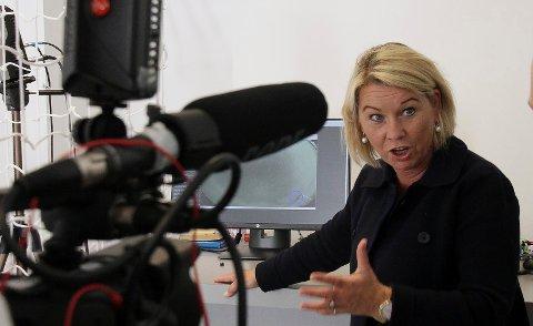 MINISTER: Monica Mæland har signalisert utålmodighet med motstandere av fylkessammenslåing. Selv om det ikke er flertall i Viken-fylkene, blir det sammenslåing fordi Stortinget har flertall.