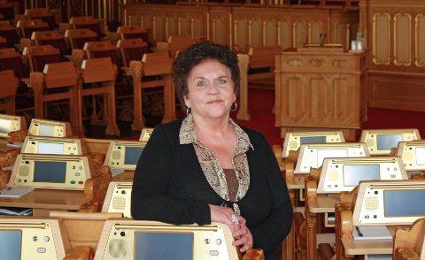 REAGERER STERKT: Tove Karoline Knutsen vil ta opp tvangsbruk ved UNN med helseministeren. Foto: Arbeiderpartiet.