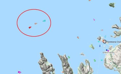 SANK: Den markerte sirkelen viser hvor båten gikk ned. Den grønne markøren er KV Sortland.