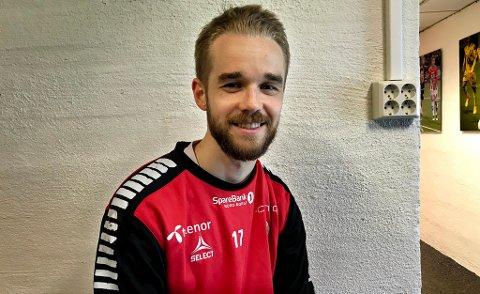 TROR PÅ RETUR: Daniel Berntsen sier han blir skuffet hvis han ikke rekker søndagens hjemmekamp mot serieleder Molde. 26-åringen har følt seg både tom og skuffet som tilskuer i de to siste kampene.