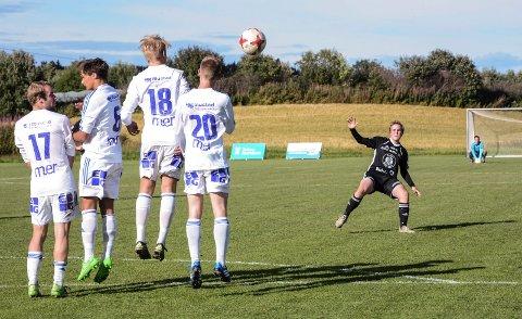 Lars Ødemark sendte i vei litt av et perlefrispark da Kolbu/KK slo FK Gjøvik-Lyn 2 i fjor. I år sender OA-TV en rekke kamper fra 4. divisjon avd. 1 - nå også kalt OA-ligaen.